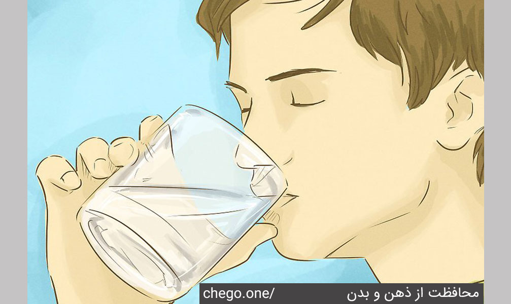 نوشیدن 8 لیوان آب
